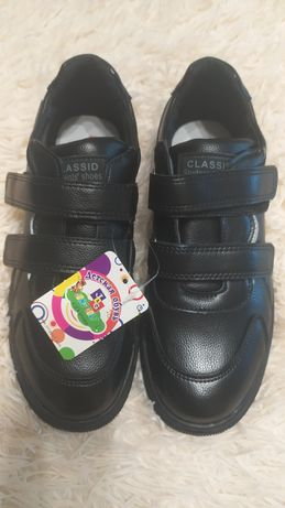 Новые туфли-кроссовки мальчик