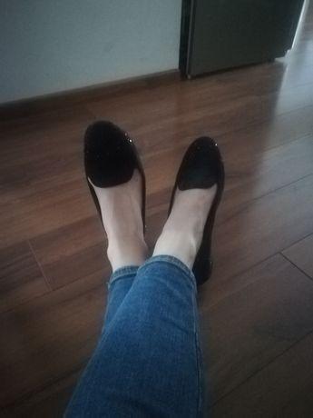 Buty rozm. 37  czarne