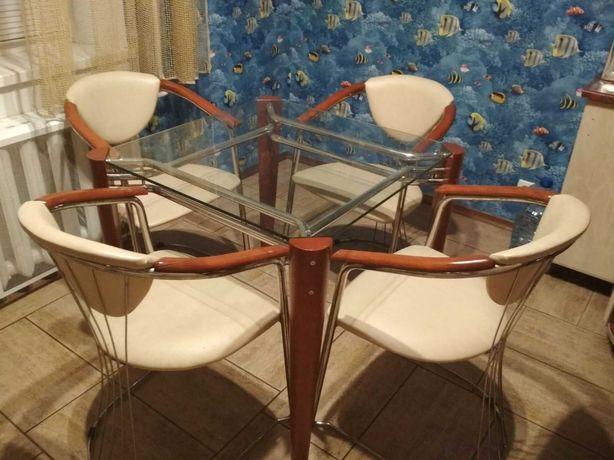 Кухонный стеклянный стол+стулья