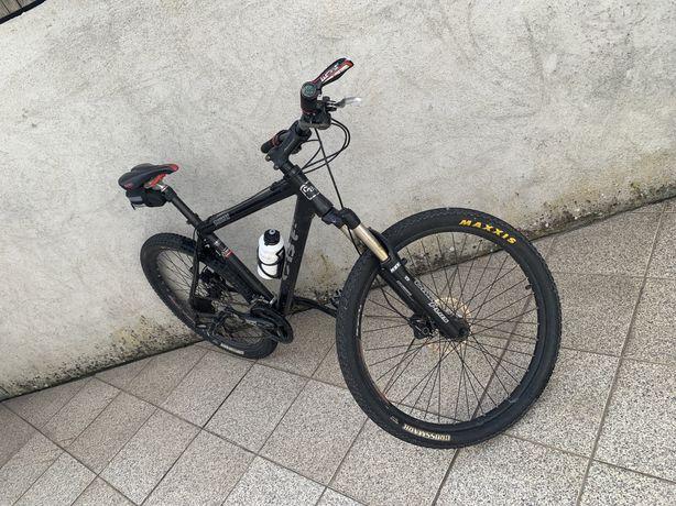 Bicicleta BTT / Passeio CBF - Roda 26