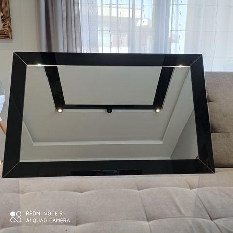 Lustro w stylu Galamour w ramie z czarnego szkła