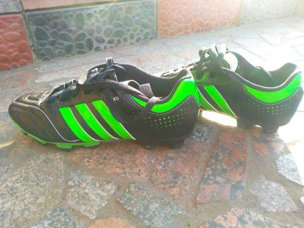 Футзалки Adidas...