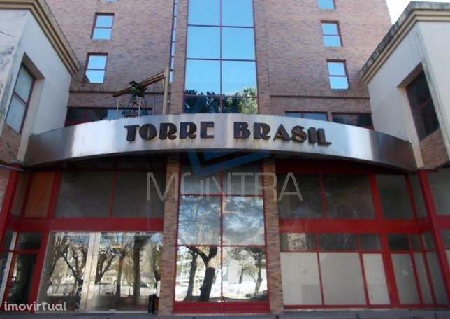 ESCRITÓRIO (31 m2) - 4º Andar, Sala 405 - TORRE BRASIL - JUNTO ao PARQ