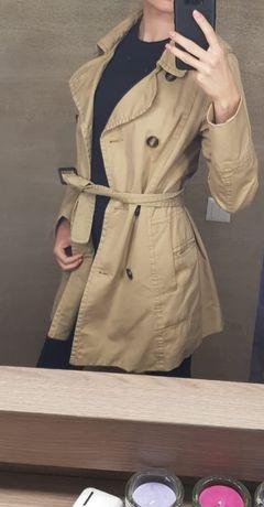 Легке пальто /плащ