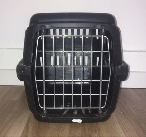 Caixa de transporte para animais, gatos ou cães pequenos.