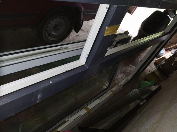 Продам балконі двері металопластикові ламіновані