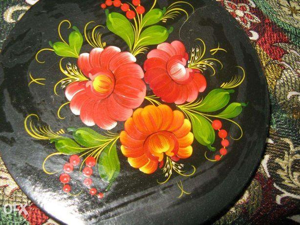 Продам тарелку сувенирную с художественной росписью