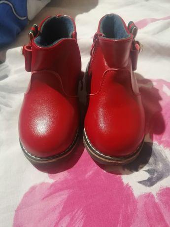 Детские ботиночки новые. Размер 25