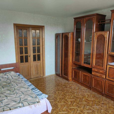 срочно сдам 2-х комнатную квартиру 7 Фонтана -Аркадия-8500