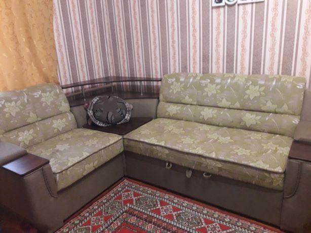 Угловой диван         ..