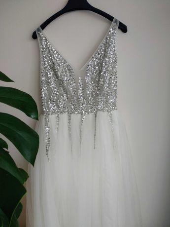 Suknia ślubna biała srebrne aplikacje na studniówkę wesele