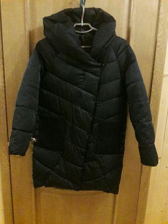 Стильна та модна куртка