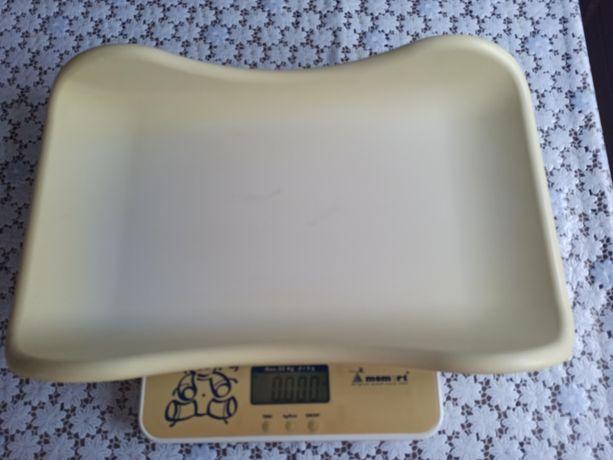 Продам электронные детские весы Momert