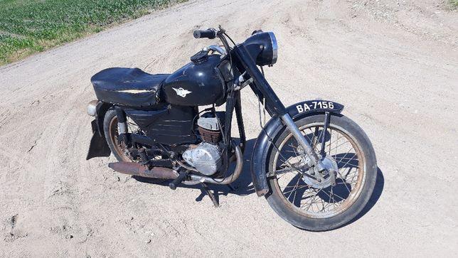 Motor WSK 125 Włeska zabytkowa
