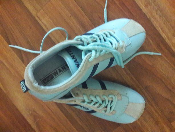 Продам детские кожаные кроссовки Wanted 34 размер
