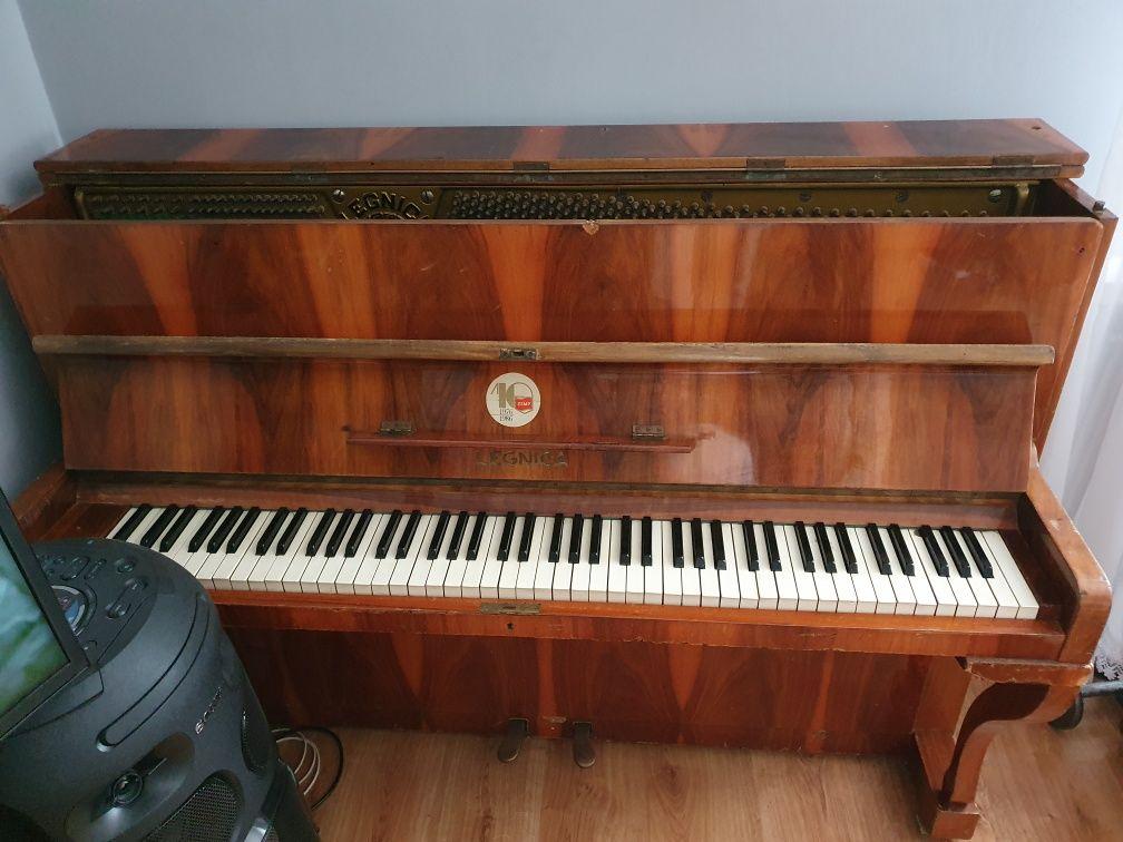 Pianino Legnica stan dobry.