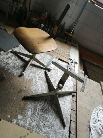 Krzesła obrotowe PRL