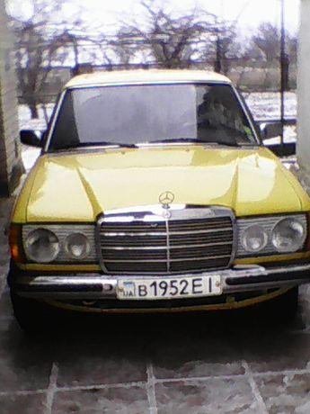 Мерседес-Бенс W123