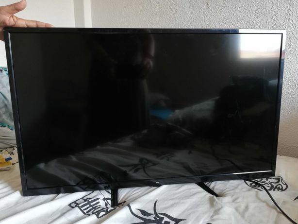 Tv HD LED32 Como nova