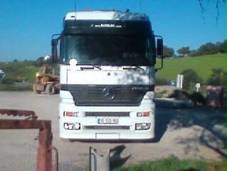 camião com grua