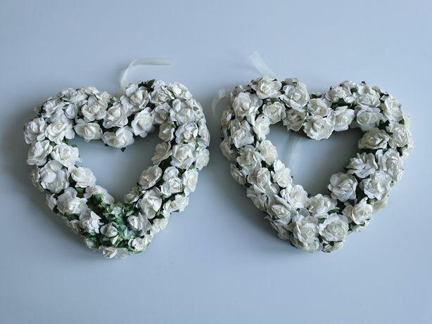 Serca białe zielone kwiaty róże