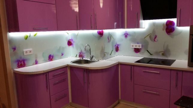 Кухонные фартуки (скинали), душевые кабины из стекла