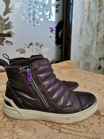 Ecco демісезонне взуття для дівчинки