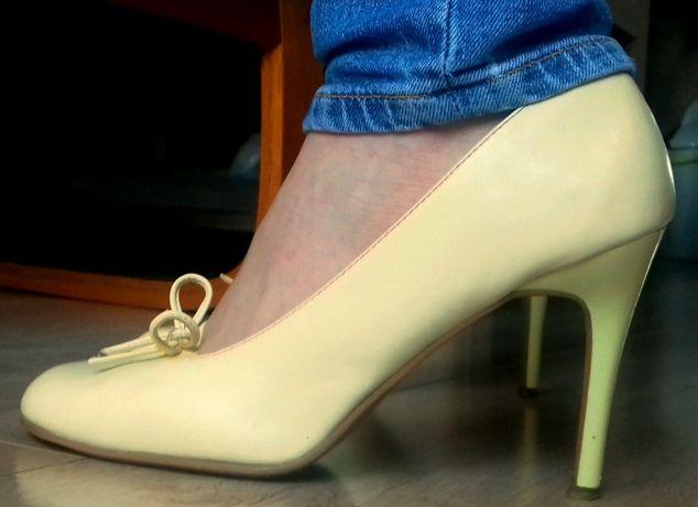 Pantofle damskie szpilki