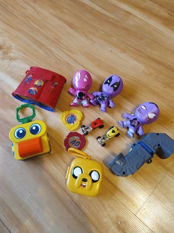 Игрушки для девочек и мальчиков