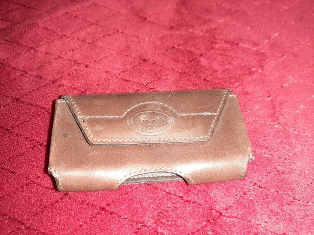 Bolsa para telemóvel em pele