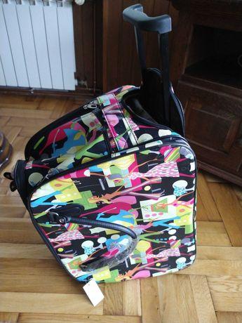 Nowa kolorowa torba walizka na kółkach