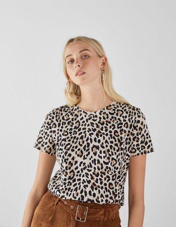 T-shirt leopardo da Bershka L