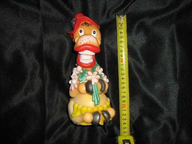 Лошадка в шляпе резиновая 22 см