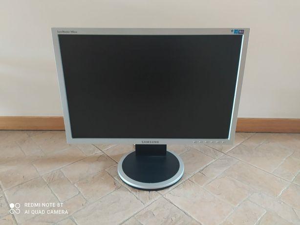 Monitor 19 cali Samsung 940BW