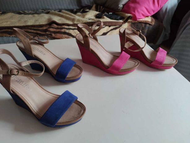 Sandalki na koturnie r38