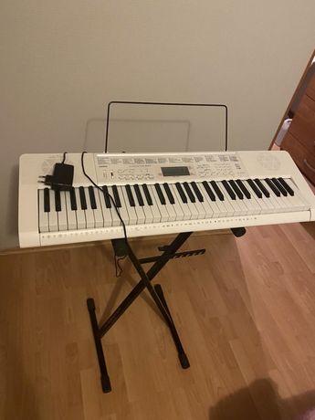 Casio LK-247 keyboard