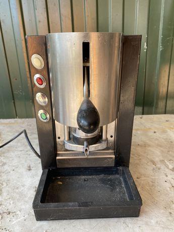 Кофемашина, кофеварка с кофе в талетках