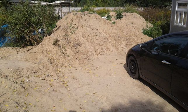 piasek/ziemia z wykopu