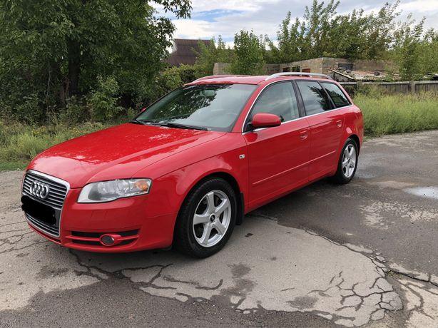 Audi A4 Идеальная. Срочно!