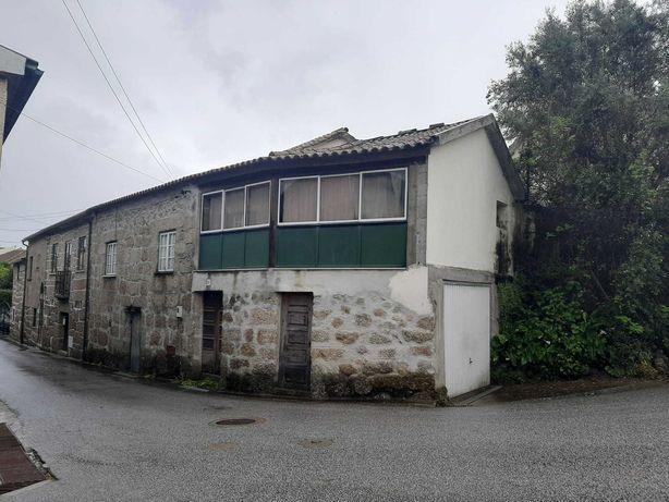Moradia sita em Pelourinho – Santa Comba Dão