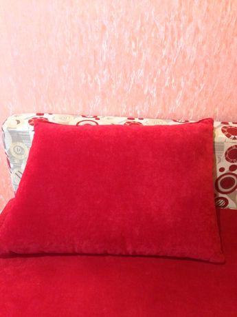 Подушки для дивана.диванные подушки декоротивные 4 шт смотрите фото