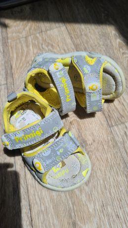 Босоножки PRIMIGI, НОВЫЕ. сандалии кожа 12 см , размер 18, 19