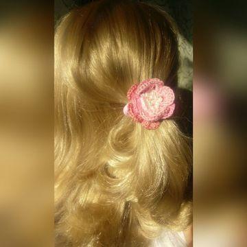 Нарядные резинки для волос-цветок с жемчужинками