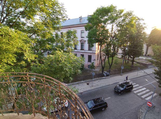 Австрія_Центр_3х к.кв. вул Устияновича-Рилєєва
