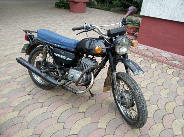 Мотоцикл Мінськ у доброму робочому стані.