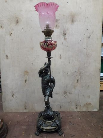 Lampa naftowa, antyk, rycerz.