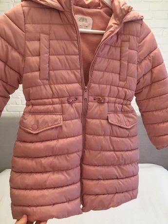 Теплая курточка zara на девочку 122-128