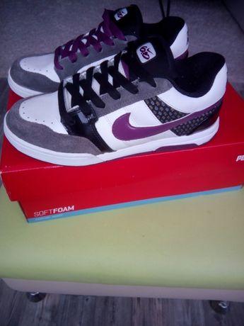 Кроссовки Nike Оригинал!