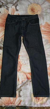 Продам джинсы мужские просто супер.