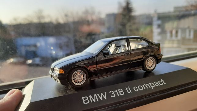 BMW 318 ti compact Model 1:43 Schuco
